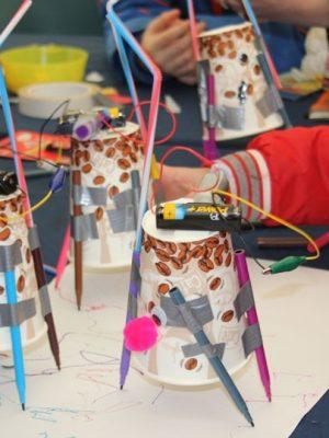 Novembre à la bibliothèque – Mercredi Robots-coloriage party avec Arduino